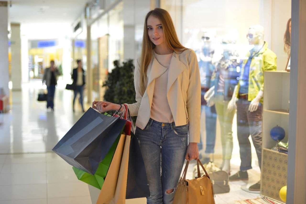 いらないものを買って後悔…無駄な買い物をしてしまう人の特徴4選