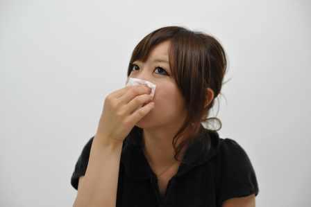 逆に悪化する!鼻血が出たときにやってはいけない間違った対処法5選