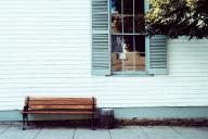 実家や家族が恋しい!一人暮らしの孤独感・寂しさを解消する方法5選
