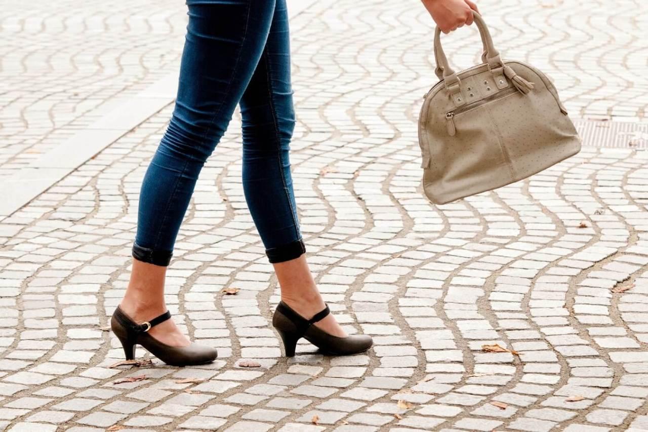 スリムできれいな美脚を実現!簡単に足を細くする効果的な方法4選