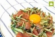 ボリューム満点でさっぱり味!まぐろときゅうりのユッケの作り方・レシピ