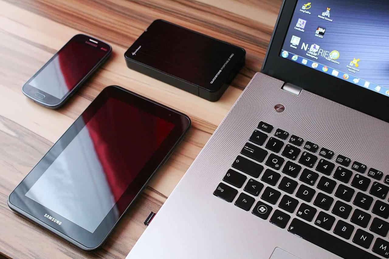 ポケットWiFiはどっちを選べばいい?WiMAXとワイモバイルの違いを徹底比較!
