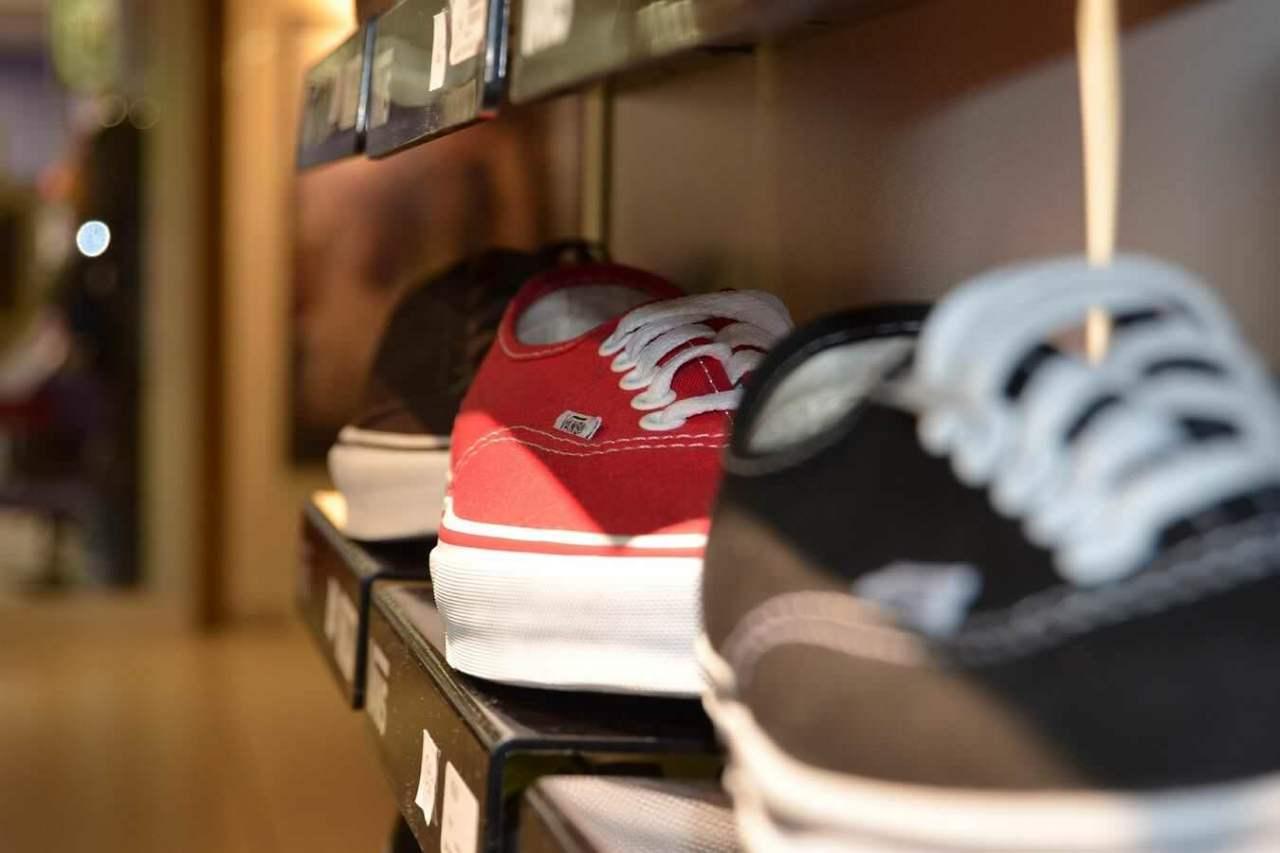消臭してばっちり解消!靴箱の中のくさい臭いを消すための対策方法5選