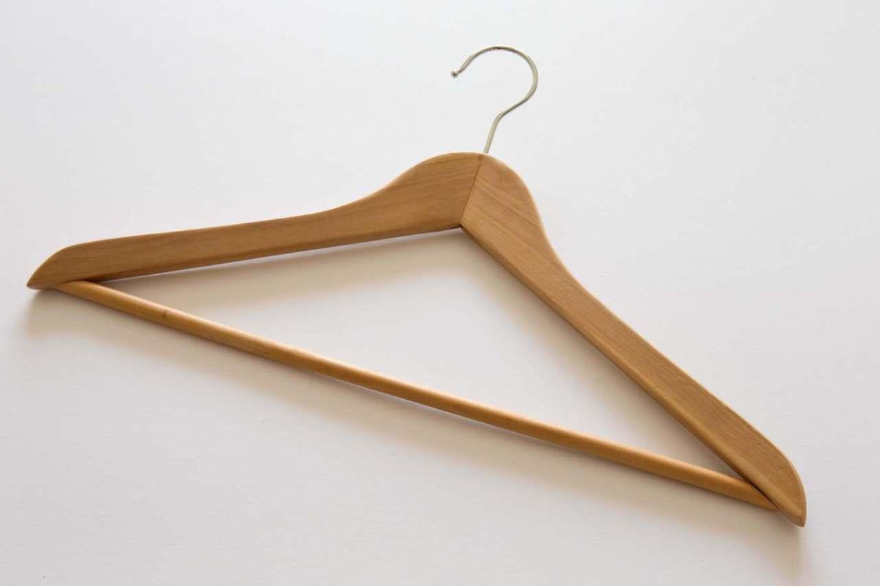 どんな基準でどの服を捨てればいい?衣服の断捨離の判断基準5選