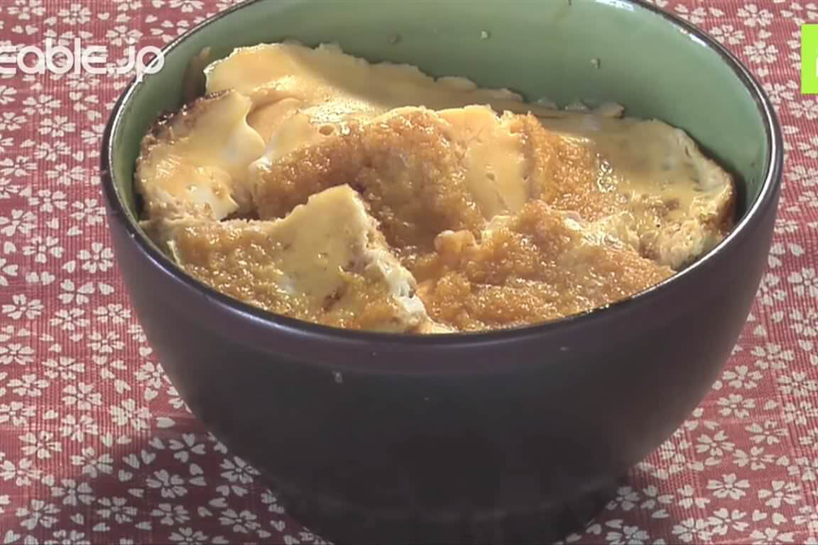 まるで本物のカツ丼!駄菓子のビッグカツで作るカツ丼の作り方・レシピ