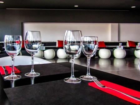赤くならない!コップやグラスに口紅・グロスがつかないようにする方法5選