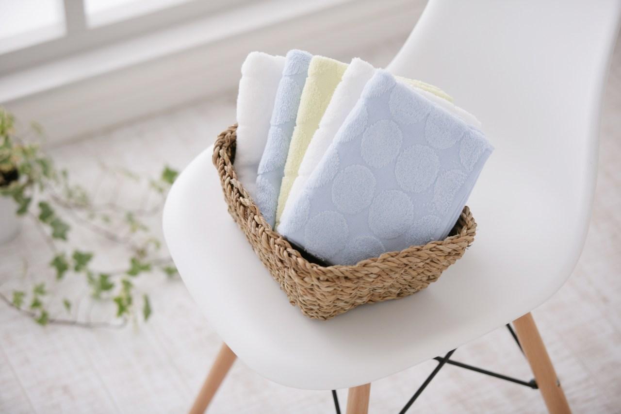すぐに乾く!濡れたタオルを早く乾かす方法や干し方5選