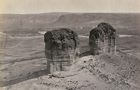 Timothy O'Sullivan, Twin Buttes stand near Green River City, Wyoming (1872)
