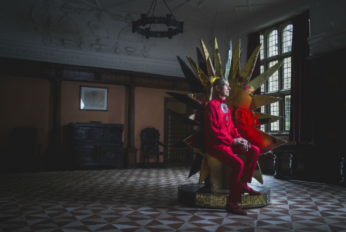 Universe Throne 2004