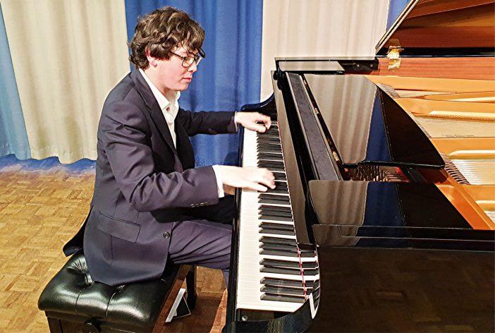 Martin James Bartlett sensational in NADSA piano recital