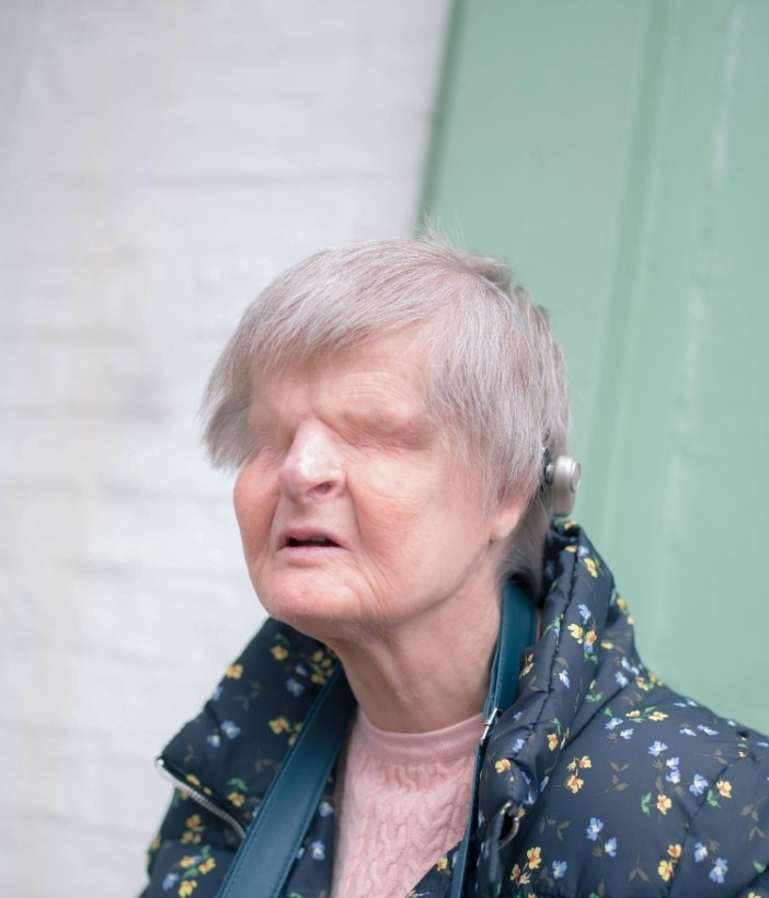 a picture of a woman who has no eyes
