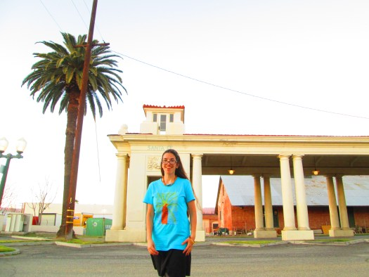 The palm tree shirt was fun to wear with the palm trees around the defunct Santa Fe Depot.