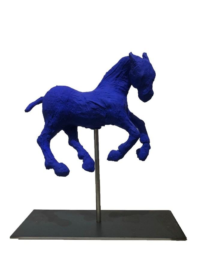 saone de stalh sculpture blue horse unique