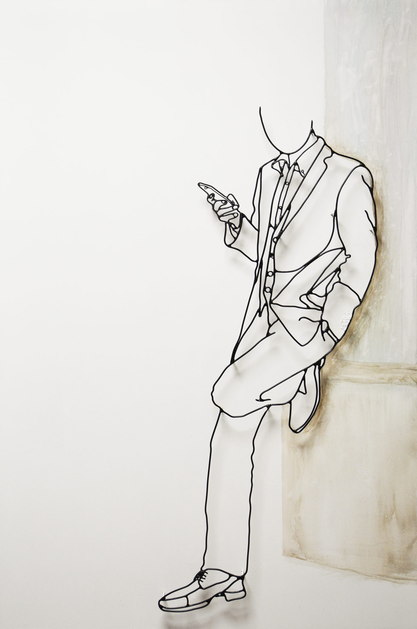 Dandy Osaka wire sculpture by French artist Amimono available at Range of Arts Gallery Honfleur