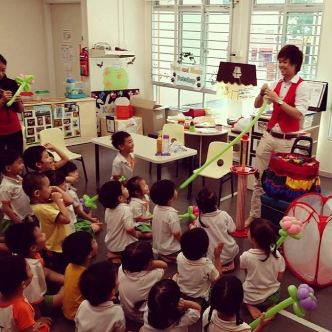 , Birthday Entertainment Packages, Singapore Balloon Decoration Services - Balloon Workshop and Balloon Sculpting