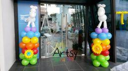 Balloon horse on columns