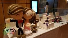 Balloon couple on reception table