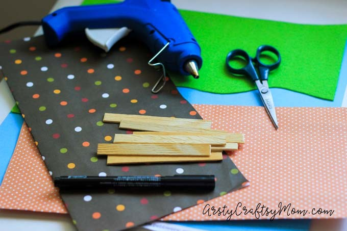 DIY Mini Camping Set with Sticks and Paper:Make camping gear for your small toys and take them on a trip!