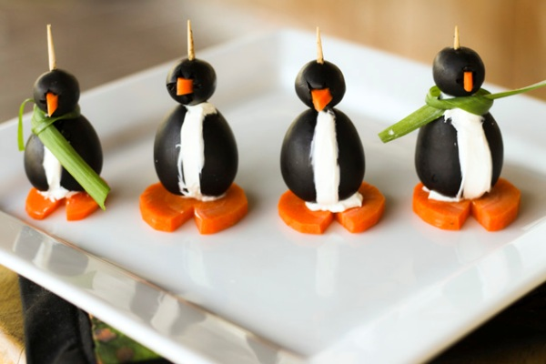 Want to make the holidays extra special for your kids? Wow the little ones with these fun foods for Christmas - that are way too cute to eat!