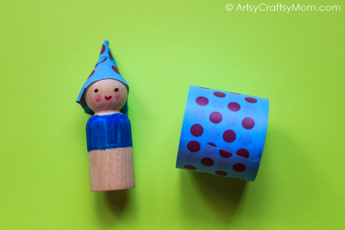 Encourage imaginative play with your kids by making these cute DIY Wooden Peg Doll Waldorf Gnomes! Play with your friends, hand them out as gifts or simply put them on your shelf!