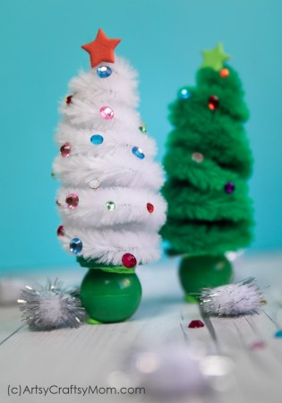 If you love miniatures, you'll enjoy making this Pipe Cleaner Christmas Tree Craft! Use them to decorate your mantle or shelf, or gift them to your friends!