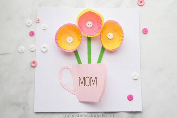 Nothing can beat these adorable Handmade Mother's Day Cards to bring a big smile on Mom's face! Easy ideas for kids of all ages to try and make!