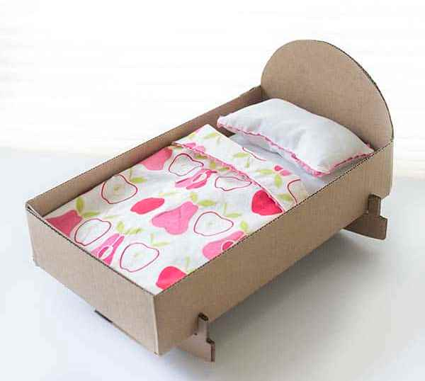 Don't let a single box go to waste - check out these Awesome Things to make with Cardboard Boxes instead! Whatever the box size, we have a craft for you!