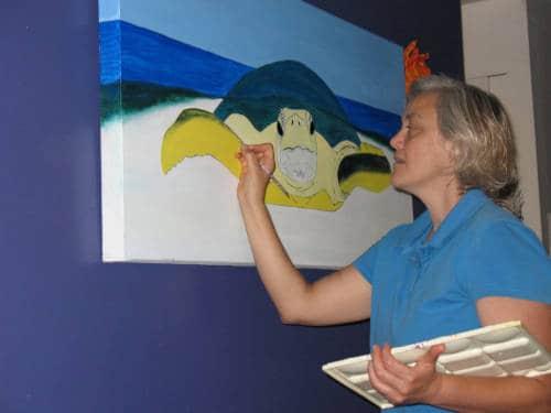 Flame Bilyue' working on turtle painting