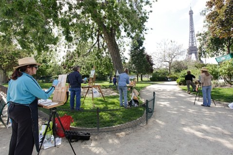 Group painting at the Eiffel Tower