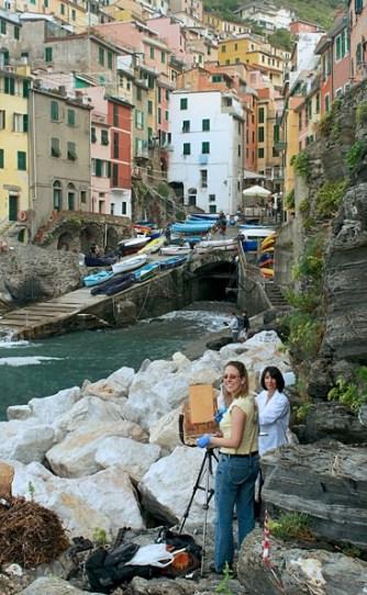 Painting the harbor in Riomaggiore