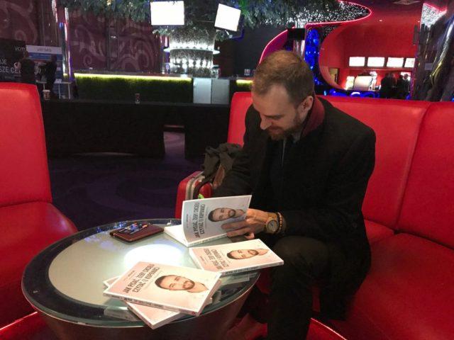 artur jabłoński książka jak zrobić skuteczną reklamę na facebooku Podsumowanie roku 2017 24130443 1665252453495544 4170359733343624266 o 1024x768