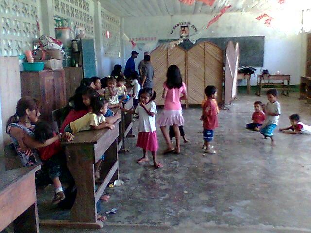 Die Patienten wurden in der Dorfschule behandelt, weil es keine medizinische Stelle gab