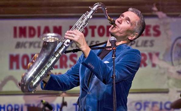 Singer/saxophonist Curtis Stigers