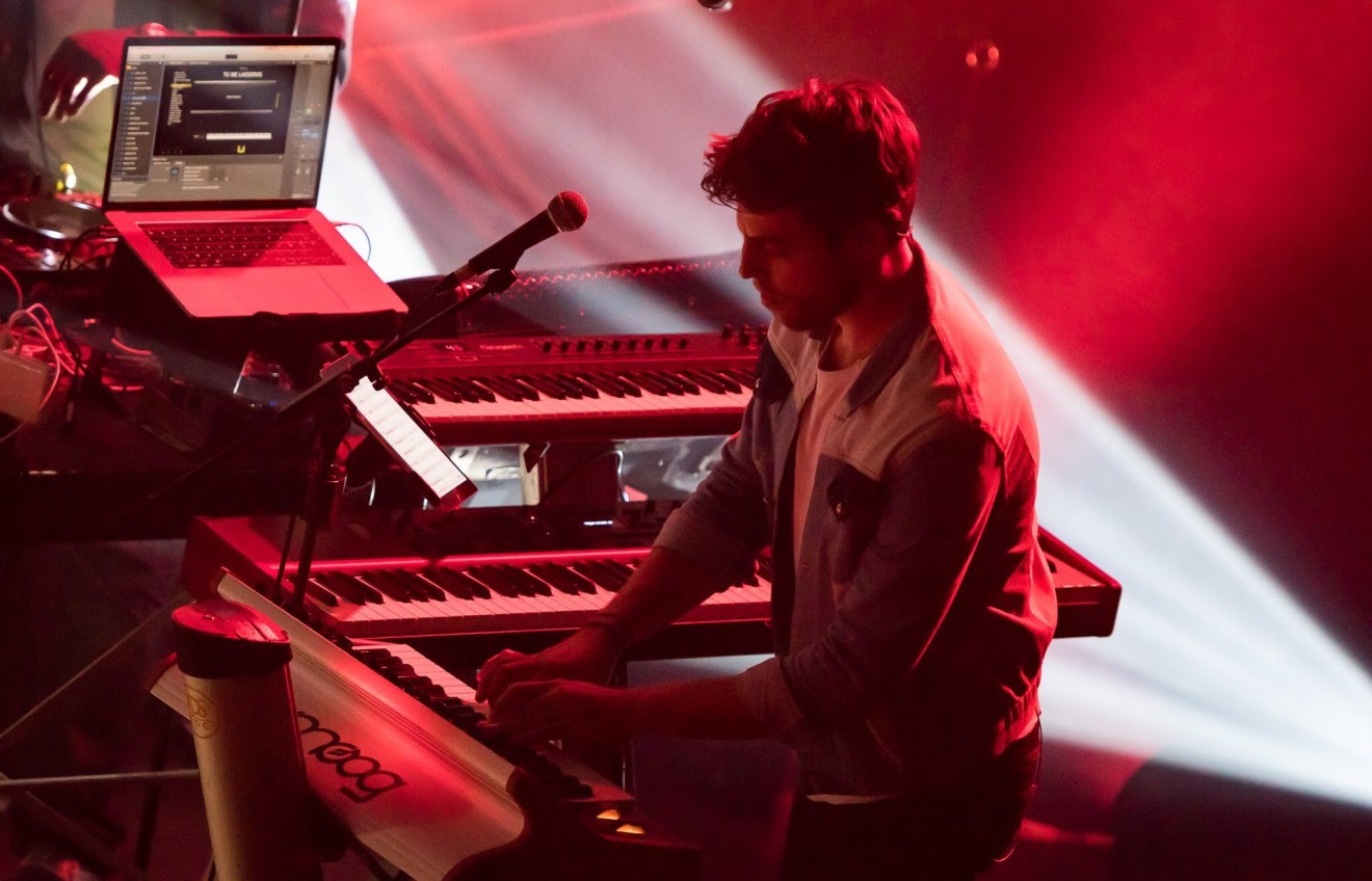 Vincent Lanty professional pianist performing live
