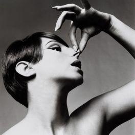 Barbara Streisand, singer, New York, October 1, 1965 ©Richard Avedon Foundation