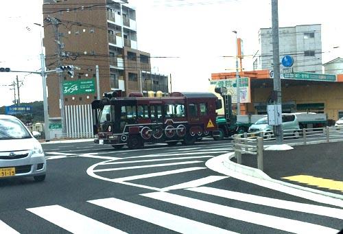 蒸気機関車のバス