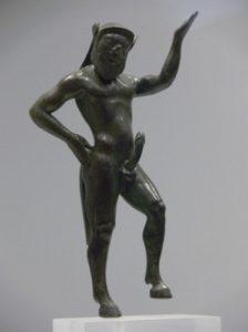 サテュロスの彫像