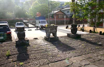 唐人墓地祭場所石壇