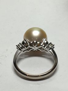 18k-white-gold-south-seas-pearl-and-diamond-set-ring-6