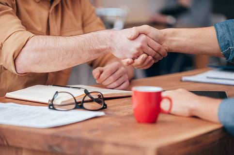 Handshake - How to Hire the Best People for the Job
