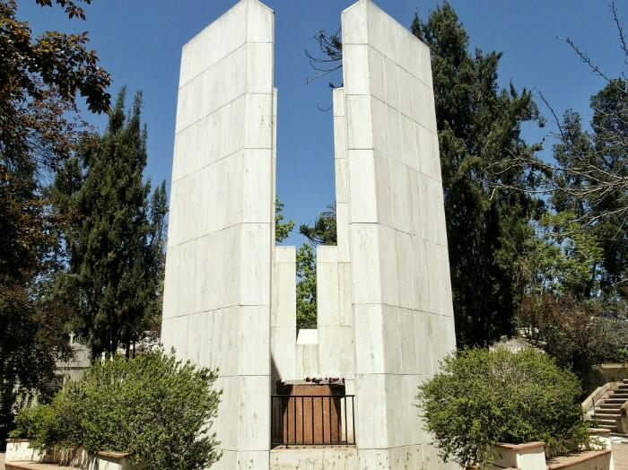 Allenderen mausoleoa, hilerrian. Santiago, Txile.