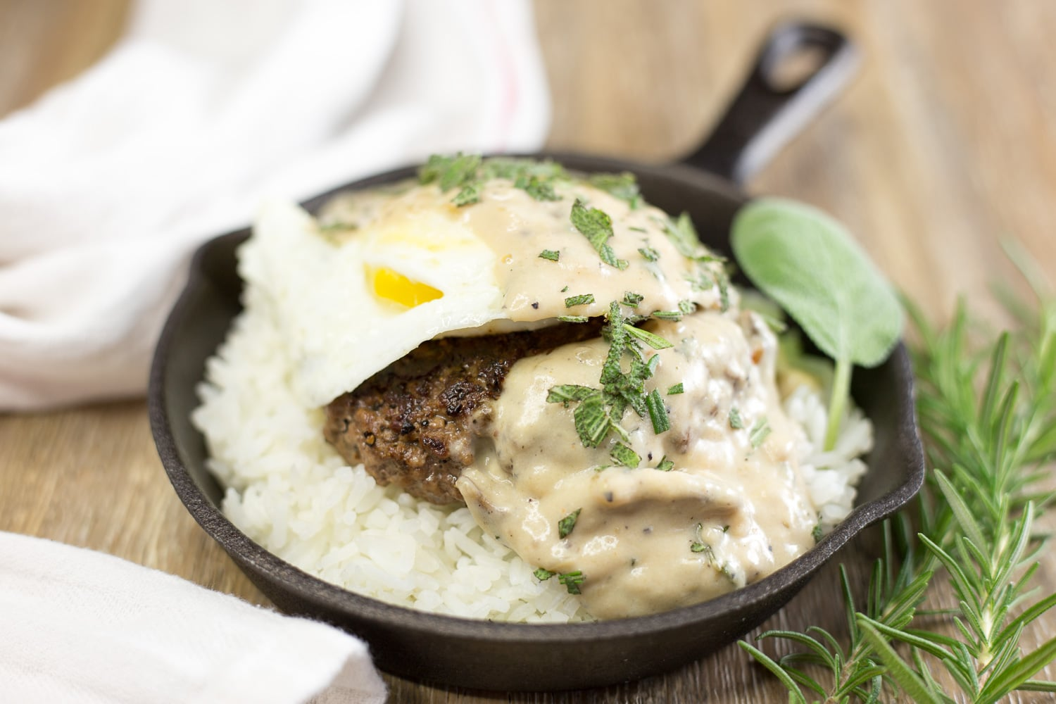 Get cuckoo for loco moco! Let this contemporary Hawaiian dish carry you away to the islands! |artzyfoodie.com|