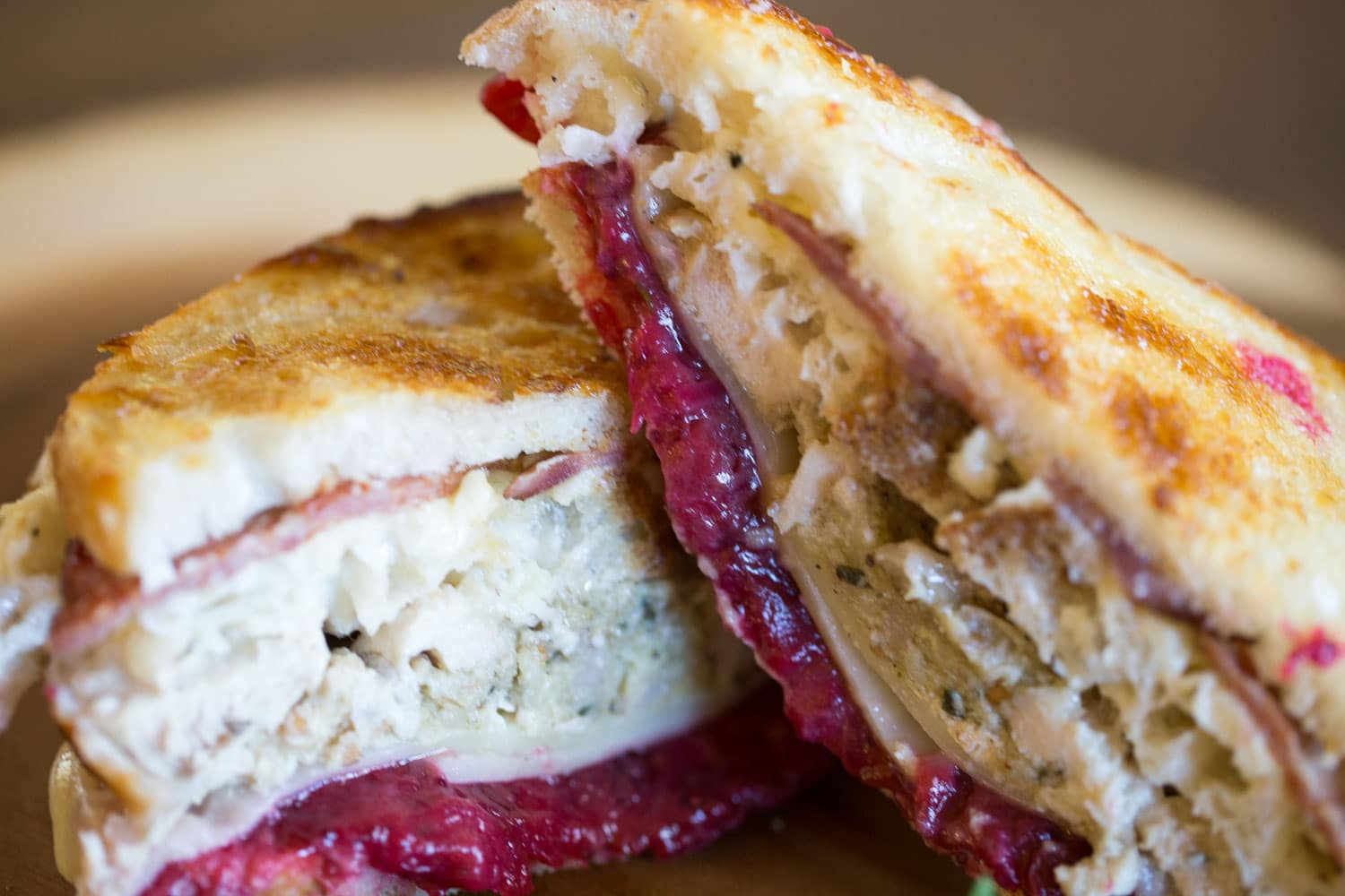 Turn your Thanksgiving leftovers into a tasty gobbler sandwich with a moist maker! |artzyfoodie.com|