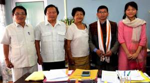 Chief Minister Kalikho Pul meets UPSC qualifier Duyu Kampu