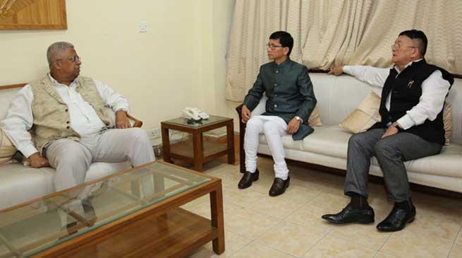 Arunachal Chief Minister Kalikho Pul calls on Tripura Governor Tathagata Roy