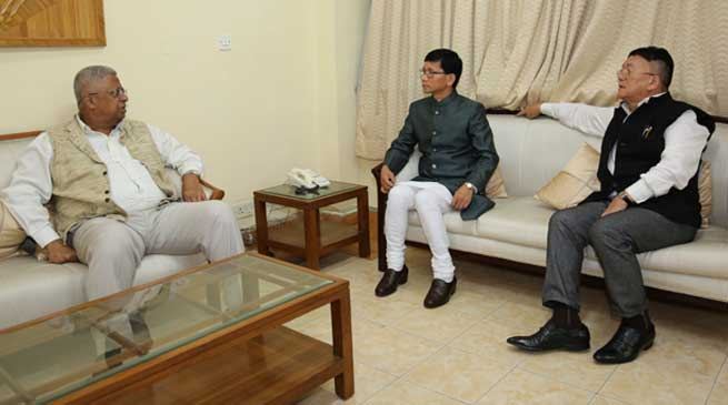 Arunachal Chief Minister Kalikho Pul calls on Tripura Governor Tathagata Roy