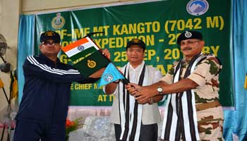 khandu-flags-off-ITBP-2