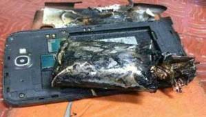 Samsung Galaxy Note 2 Explodes Onboard Indigo Airlines Flight