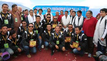Khandu flags-off Indo-Bhutan Friendship Car Rally 2016
