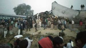 Indore- Patna Exp derails, Death Toll rises to 90